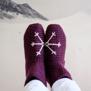 Snowflake Slipper Socks In Chunky Crochet