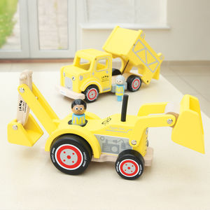 Wooden Digger With Removable Driver