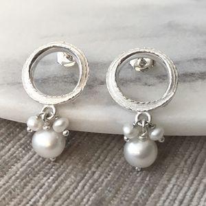 Leafy Circle Earrings With Pearl