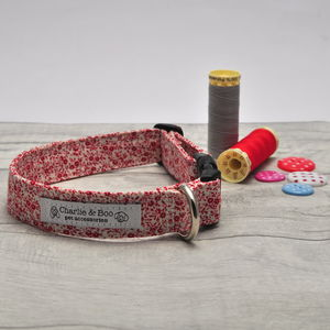 Red And White Floral Ditsy Print Dog Collar