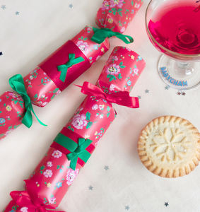 Christmas Cracker Making Workshop - experiences