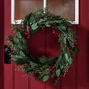 Red Berry Artificial Christmas Wreath