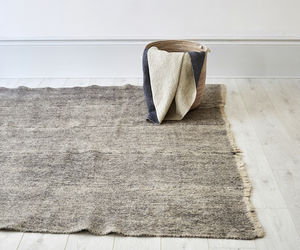 Hand Woven Felt Grey Radhi Rug - bedroom