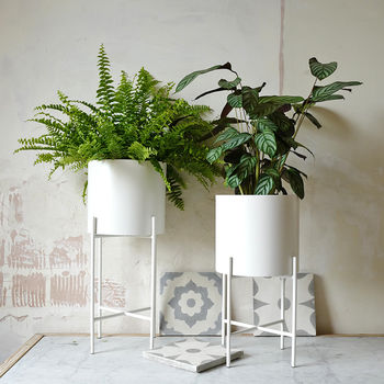 White Metal Planter Pot With Plant Stand