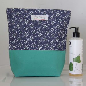 Sweet Allium Washbag