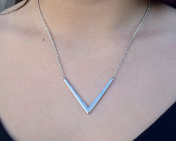 Tri Plain V Necklace