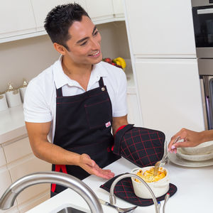 Bold Apron With Integrated Oven Gloves - aprons