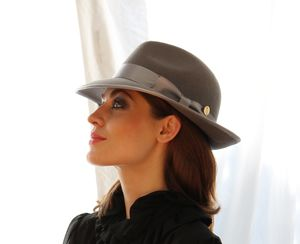 Julia Trilby - hats & fascinators