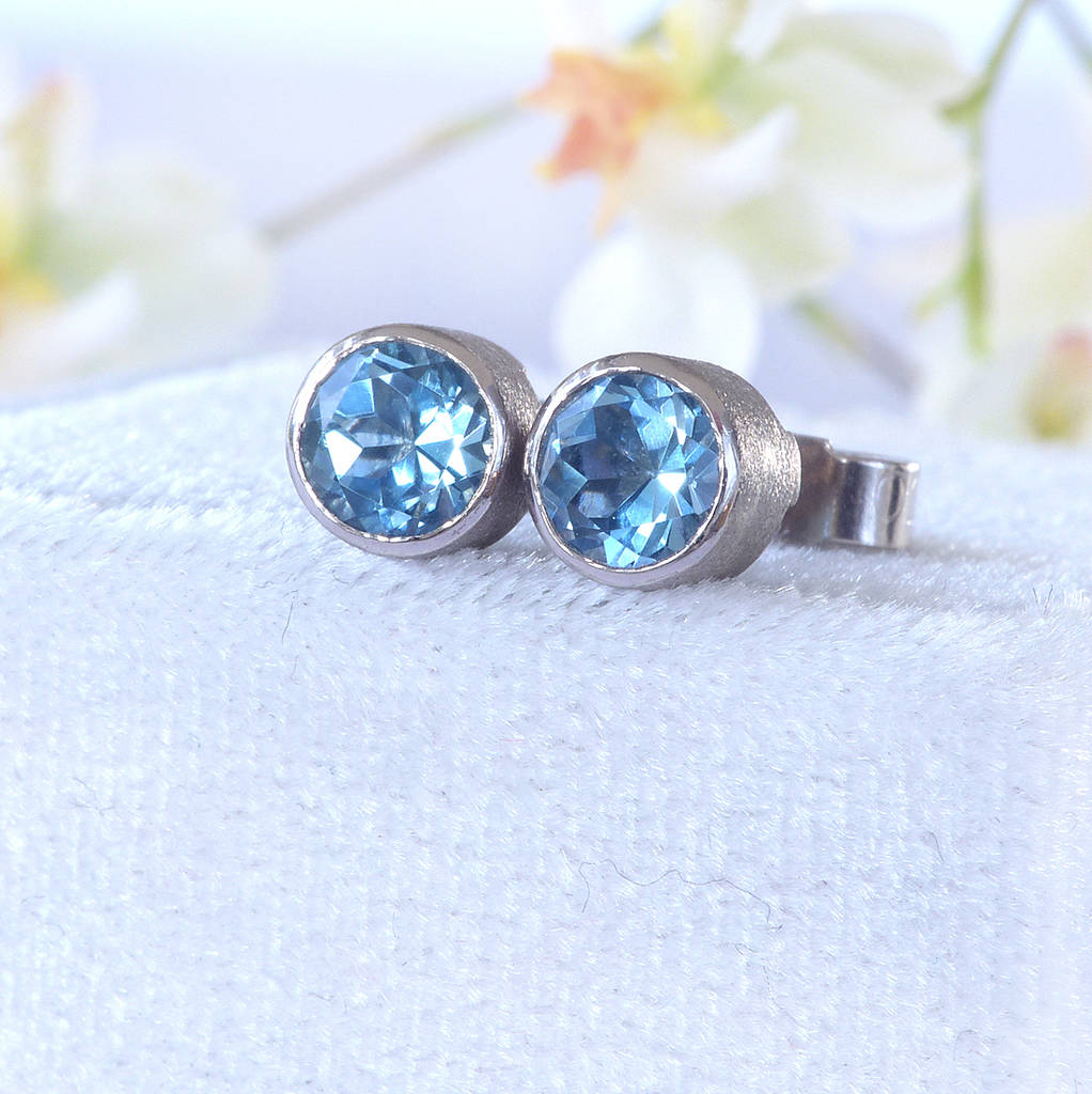 jewelry gold lyst diamond swirl vian earrings gallery chocolate and aqua white le aquamarine stud marine blue