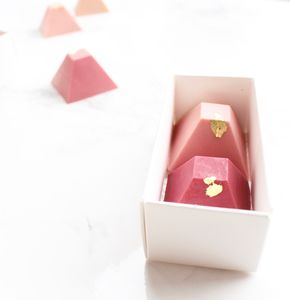 Pink Chocolate Pyramid Favour Duo X25 - wedding favours