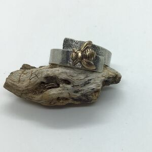 Woodland Bee Ring