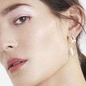Ella Textured Gold Pearl Earrings
