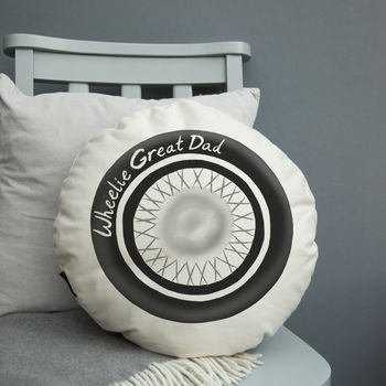 Wheelie Great Dad Round Cushion