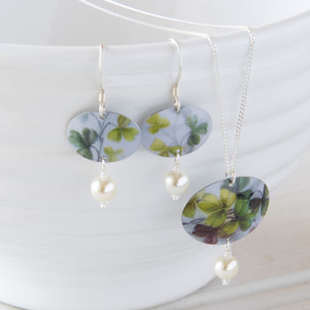 Green Floral Print Necklace /Earrings Set With Pearls