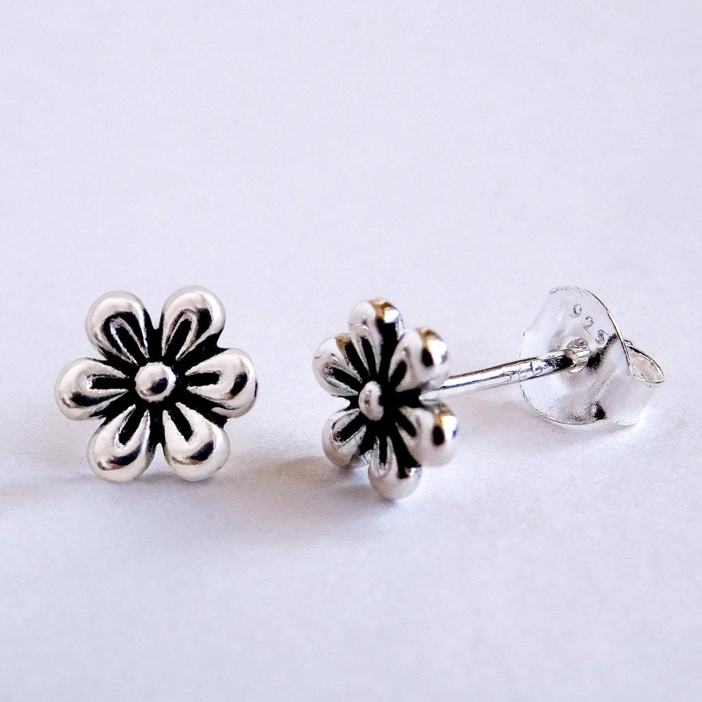 640ba60d4 valentine's sterling silver daisy stud earrings by frozen fire ...