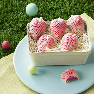 White Chocolate Strawberries Punnet - chocolates & confectionery