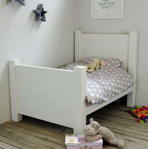 Child's/Single Chunky Wood Bed Choice Of Colours - furniture