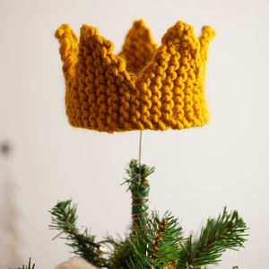 Chunky Knit Crown Christmas Tree Topper