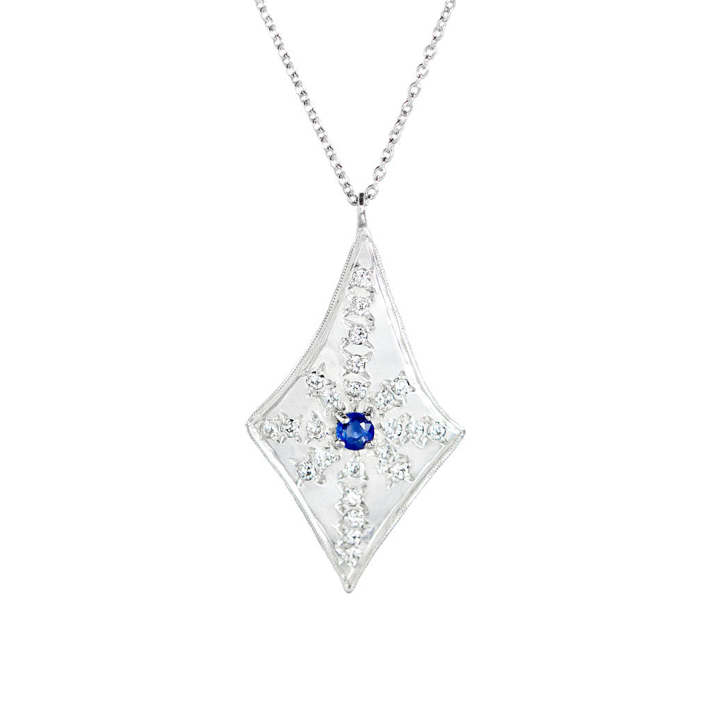 en penningtons teardrop pendant necklace