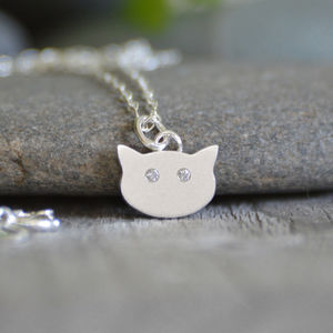 Small Cat Face Necklace With Diamonds