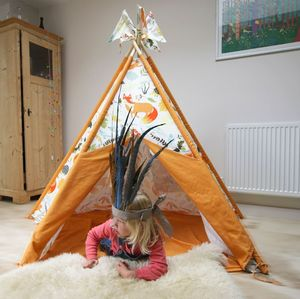 Woodland Fox Print Wigwam With Flags - play scenes & sets