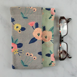 Little Flower Print Glasses Case