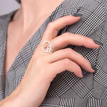 Silver Interlinked Circle Ring by Scream Pretty