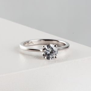 Classic Round Cut Diamond Solitaire Ring Platinum - new in jewellery