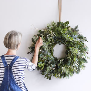 Divine Christmas Wreath Making Experience - wreaths