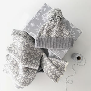 Gift Set Blanket Scarf, Bobblehat And Wristwarmers