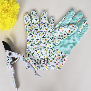 Personalised Gardening Gloves And Secateur Gift Set