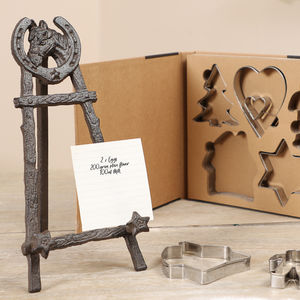Chatsworth Horse Cookbook Stand With Cookie Cutters - cookie cutters
