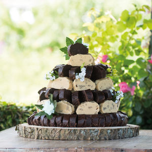 Fudge Wedding Cake - sweet treats