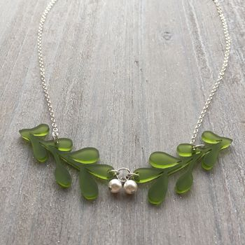 Christmas Mistletoe Necklace