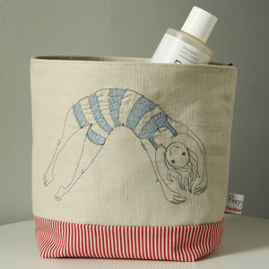 Bathing Beauty Embroidered Wash Bag - men's grooming & toiletries