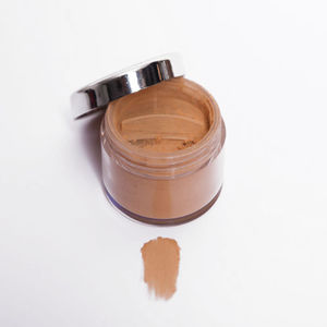 'Medium Shades' Organic And Vegan Foundation