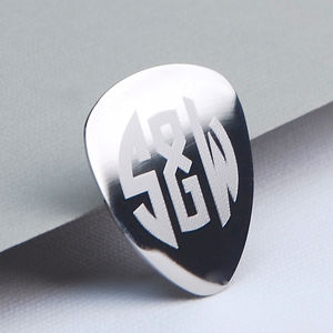 Engraved Monogram Guitar Plectrum