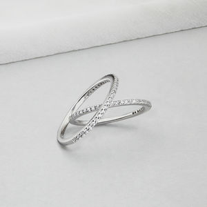 Dimond Style Stacking Ring - bridal edit