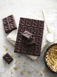 Honeycomb And Sea Salt 70% Dark Chocolate Bar - chocolates
