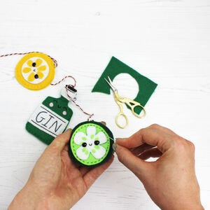 Gin Mini Bunting Craft Kit