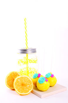 Lemon Drizzle And Gin Cake Pops