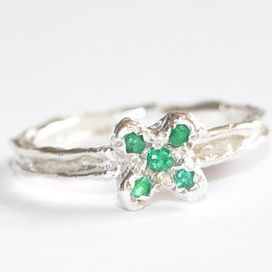 Sterling Silver Kiss Ring With Emeralds