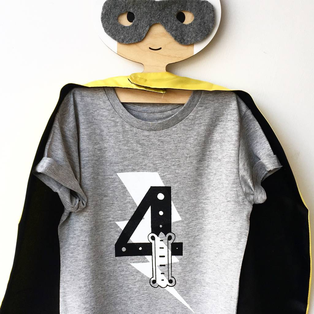 Happy Family Clothing Third Birthday Modern Circle Number Three T-Shirt