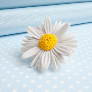 Daisy Brooch - pins & brooches