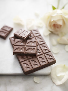 Morooccan Rose 41% Milk Chocolate Bar - chocolates