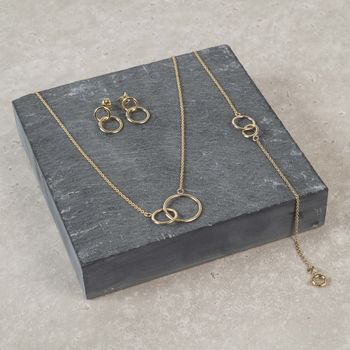 Solid Yellow Gold Interlinking Rings Necklace