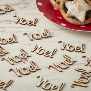 Noel Wooden Table Confetti - tableware