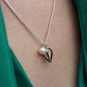 Silver Single Bud Pearl Pendant