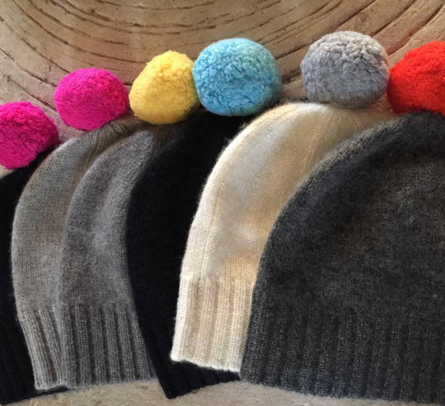 contrast pompom hat in 100% cashmere by new scotland ...