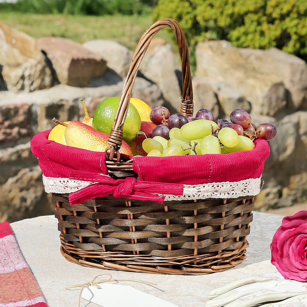 Hamper Basket With Knitted Lining